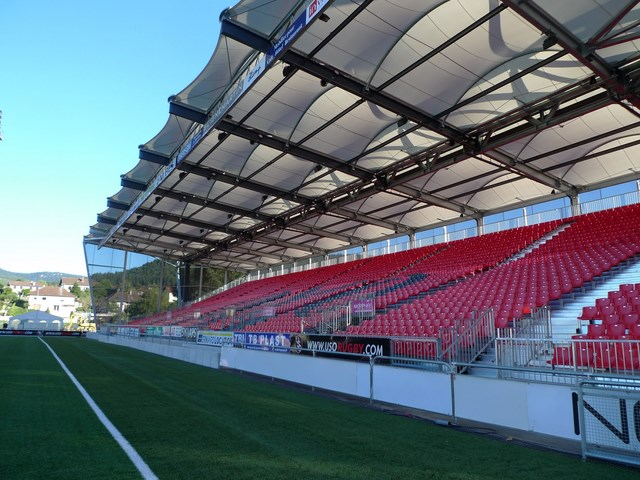 Tribune Stade Mathon à Oyonnax (01)